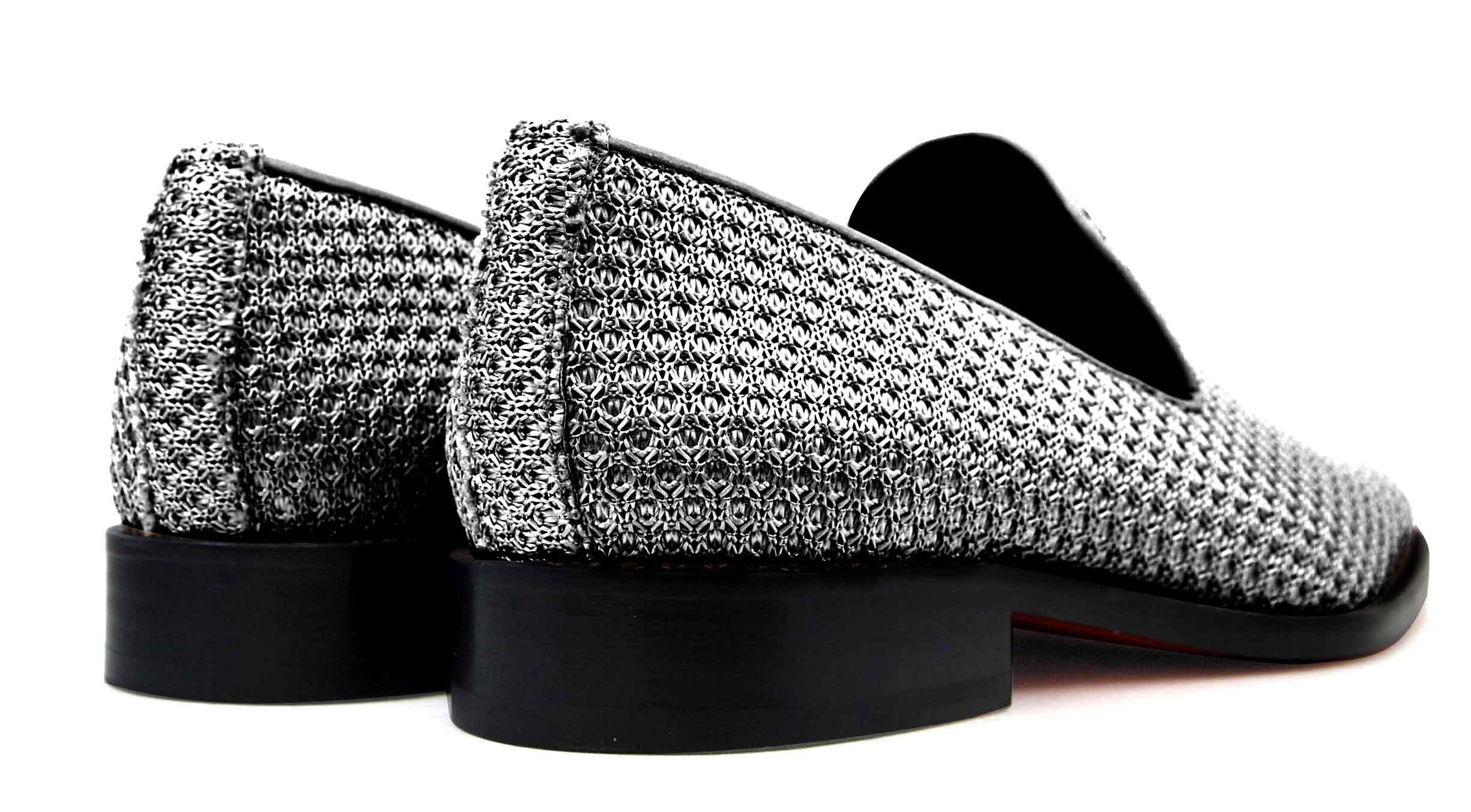 Foto 4 de Zapatos Trenza Seda Plata Negro Con JC Dorado