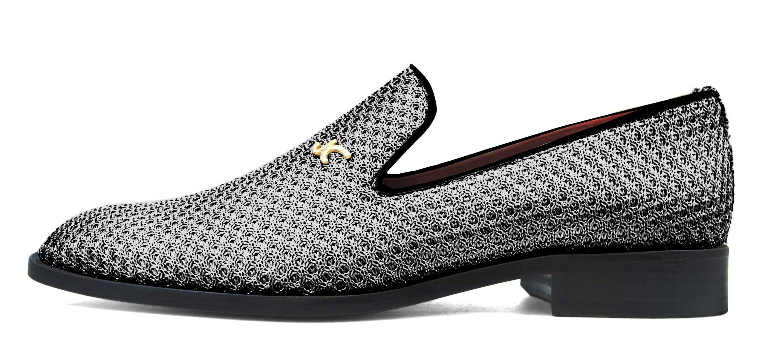 Foto 1 de Zapatos Trenza Seda Plata Negro Con JC Dorado